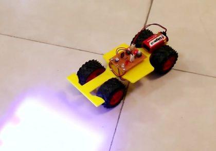 ربات نوریاب
